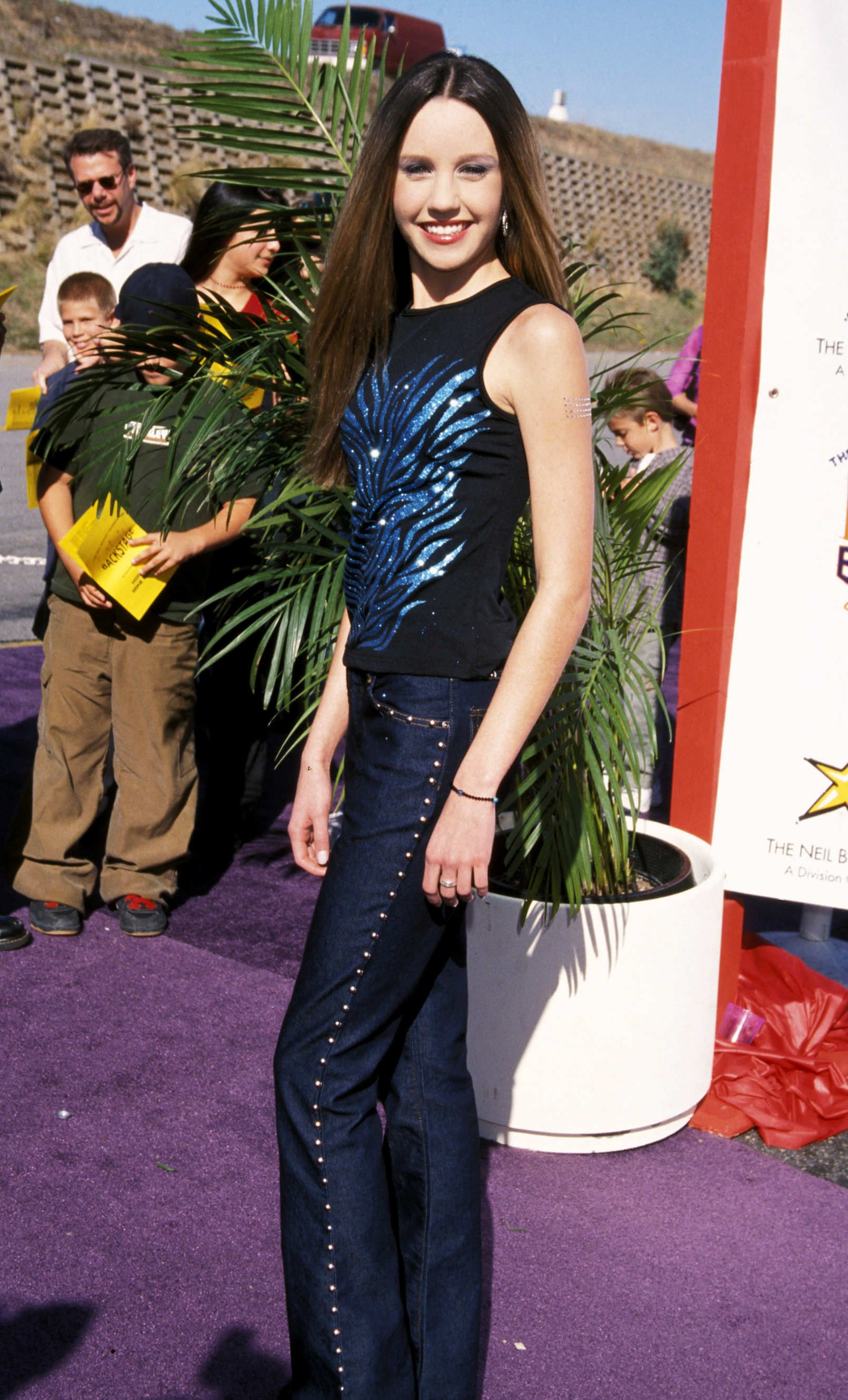 Amanda Bynes Then And Now 15 Years In Pictures Early 2000s Fashion 2000s Fashion Outfits 00s Fashion