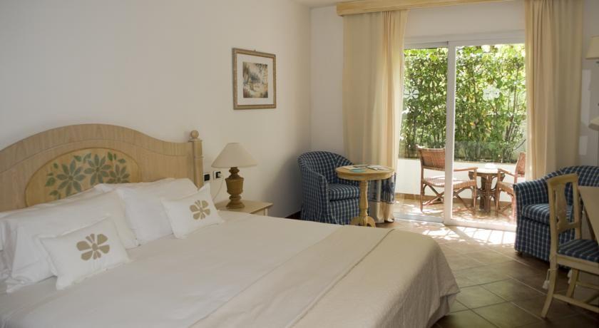 R$3.176 O Grand Hotel Poltu Quatu oferece vistas panorâmicas das Ilhas La Maddalena, na costa norte da Sardenha.