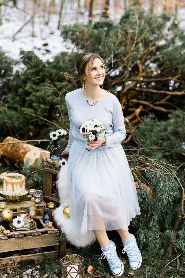 Winterhochzeit im Wald in Serenity und Gold von Weddingpilots | Hochzeitsblog - The Little Wedding Corner