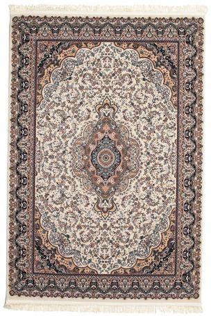 Ezen gyönyörű gépi csomózású szőnyegek motívumait egyértelműen a hagyományos perzsa szőnyegek ihlették. A végeredmény pedig egy olyan szőnyeg lett, amely könnyedén illeszkedik a modern és a hagyományosan berendezett lakásokba.