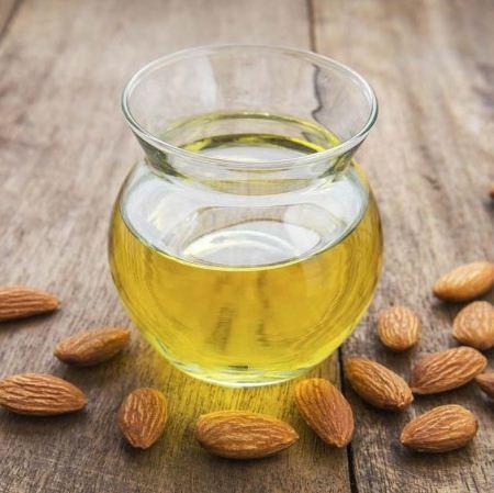 زيت اللوز المر للمنطقة الحساسة و فوائده للتفتيح من تجربتي بشرة وشعر Almond Oil Benefits Sweet Almond Oil Benefits Almond Benefits