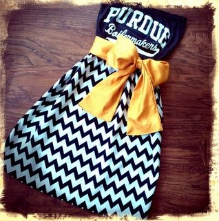 DIY: Dresses out of old college t-shirts!