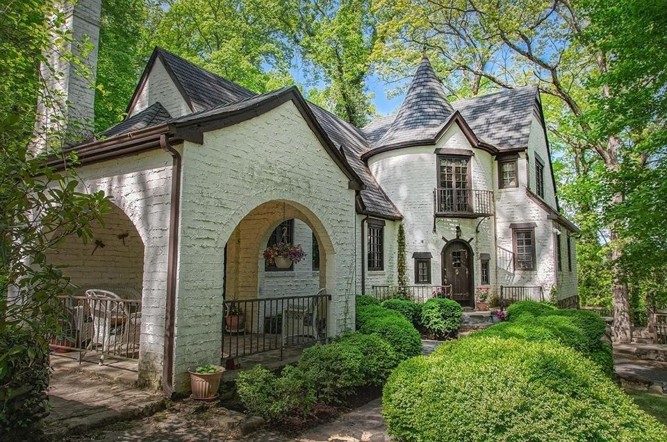 Photo of 1925 Tudor Revival For Sale In Roanoke Virginia — Captivating Houses