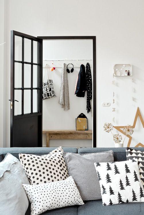 Épinglé par Fiorella Zapata sur Deco Pinterest Coussin noir - Decoration Encadrement Porte Interieur