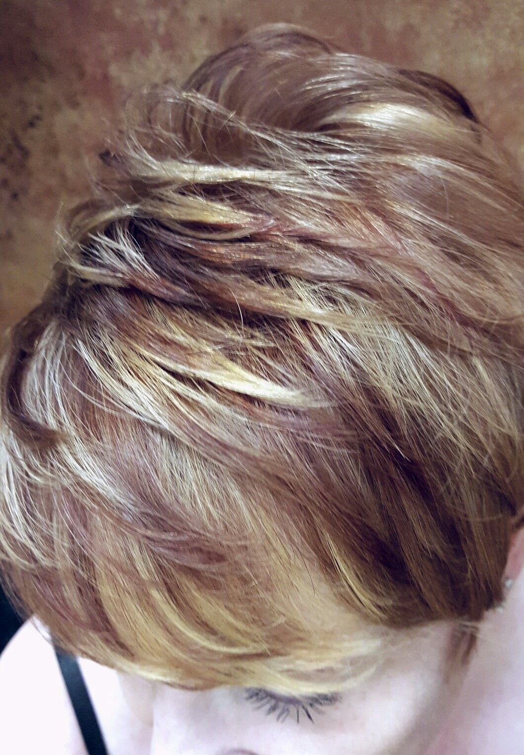 Iamgoldwell shorthair illusionsofshirlington highlights hair