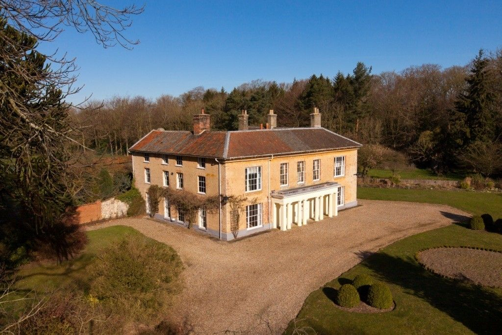 Reepham chateau / country house rental Hackford Hall