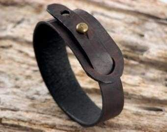 "Photo of Stud leather bracelet ""Cherry whiskey"""