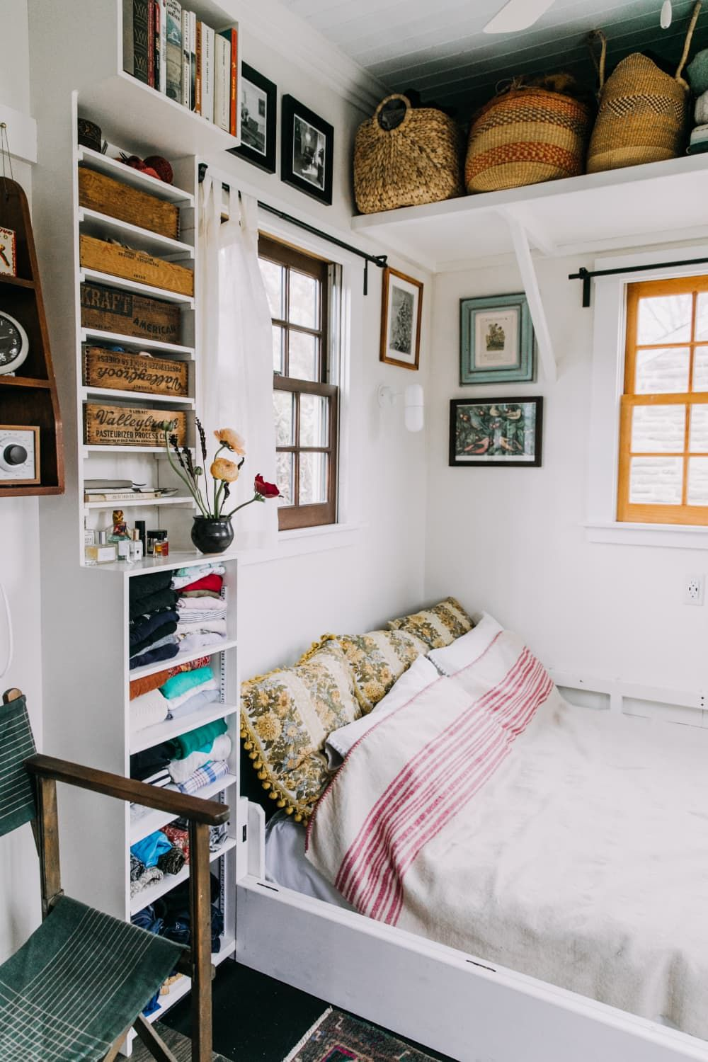 The Smartest Small Space Storage Ideas We Saw In 2018 Small Bedroom Ideas For Couples Couples Apartment Decor Small Bedroom Storage