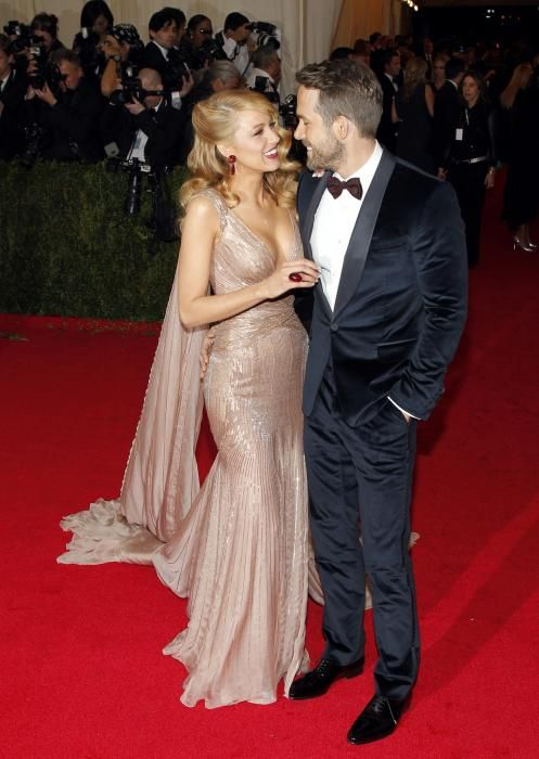 Blake Lively wearing Gucci, Ryan Reynolds looked in love and elegant at Met Gala - UPI.com