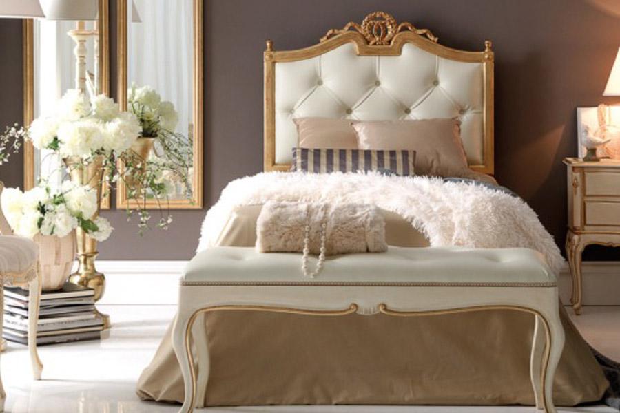 غرف نوم مودرن بتصاميم عصرية من Juliettes Interiors ديكورات أرابيا Upholstered Beds Mattress Sizes Bed Sizes