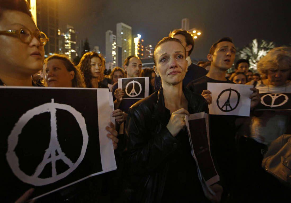 Après les attentats, le monde entier mobilisé pour Paris - Elle