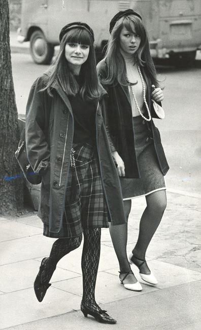1966 street fashion photo print ad women skirt top jacket tights pointy shoes 60s