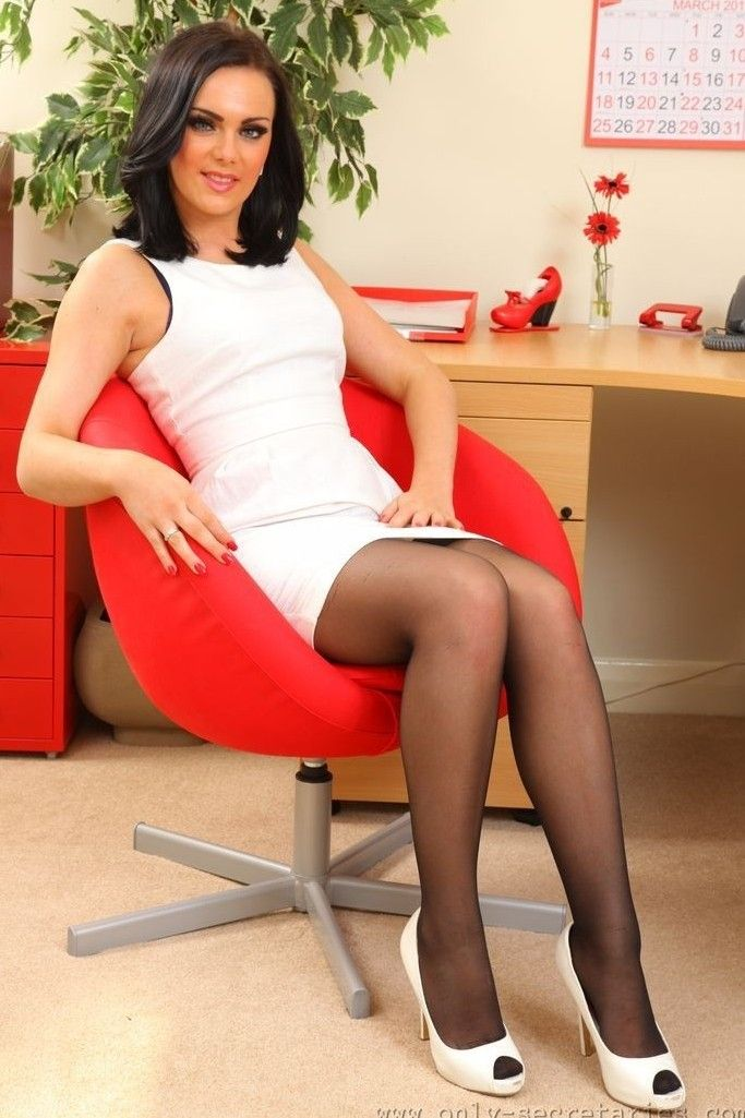 Pin by Pantyhoselover on Office Girls in 2020   Lovely