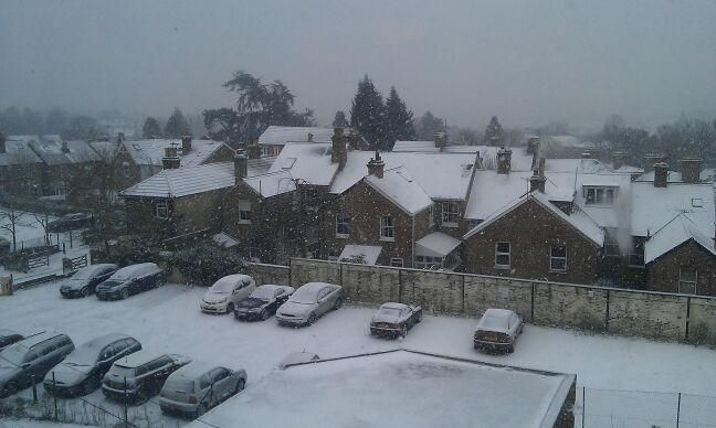 Snow falling in Tunbridge Wells - the flakes are getting heavier! (18 January 2013)