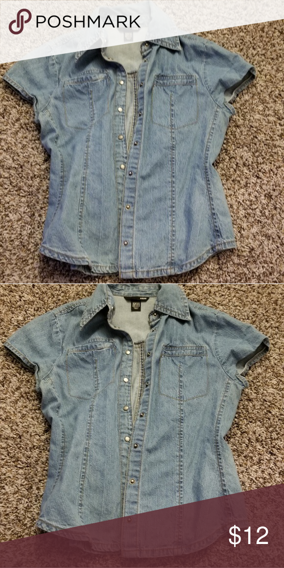 971378bfc BOGO FREE! Top H&m size 4 button up Jean shirt buy one get one free ...