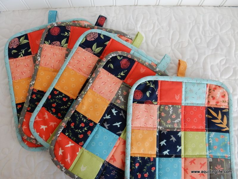Scrappy Patchwork Potholders | Upcycling makes Fun | Pinterest ...