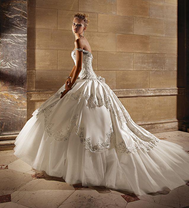 1000  images about wedding dresses on Pinterest | Romantic wedding ...