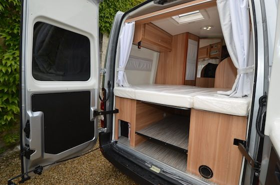 pingl par r my boullard sur am nagement camion. Black Bedroom Furniture Sets. Home Design Ideas