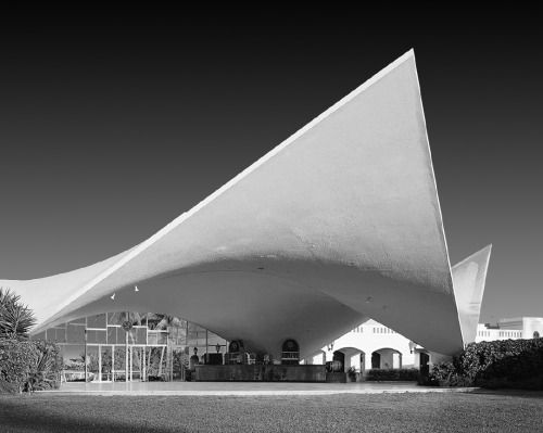 F lix candela bacardi visitor pavilion san juan puerto for Architecture 1960