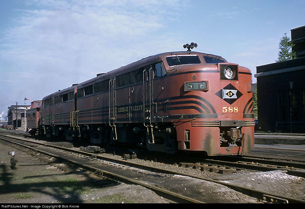 Railpictures net photo 588 lehigh valley alco fa 2 at for Railpictures