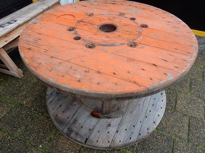 Te koop houten katrol met een doorsnede van cm en een hoogte