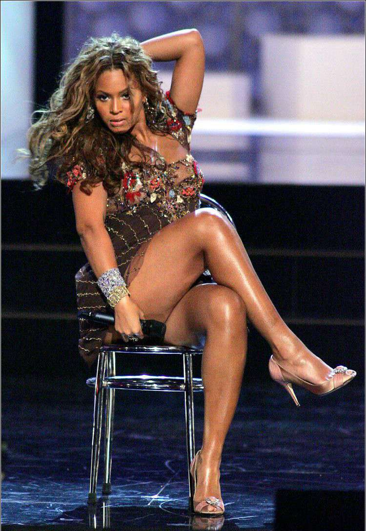 legs thighs and sexy Beyonce