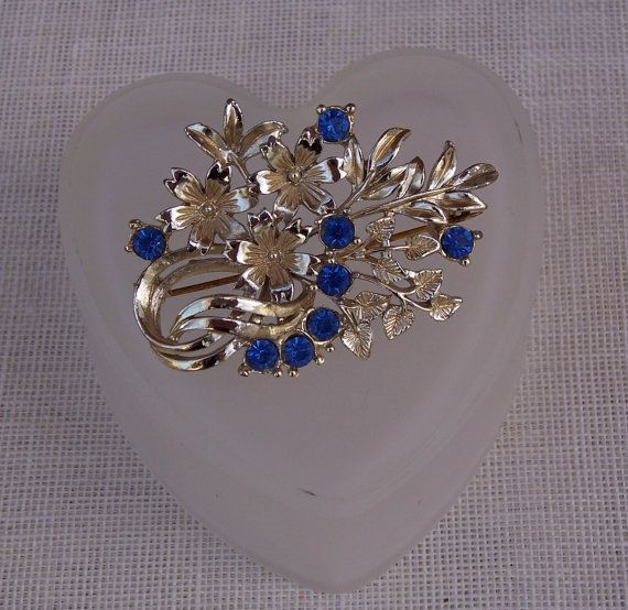Vintage Rhinestone Flower Brooch, Vintage Jewellery, Blue Brooch #vintagerhinestone