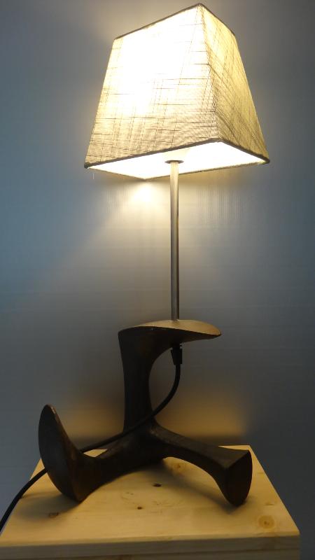 Schoenleest lamp met lampenkap | Lampenkap, Industriële