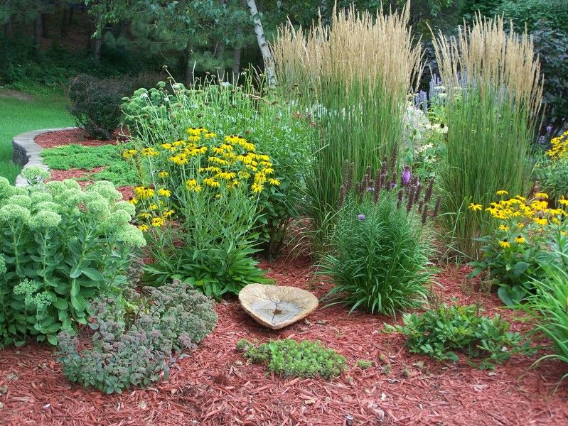 Perennial Garden Great Site For Garden Ideas Memorial Garden Perennial Garden Landscape
