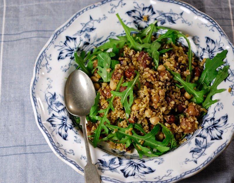 Eerst Koken: Salade van freekeh, geroosterde druiven en paprika-labneh