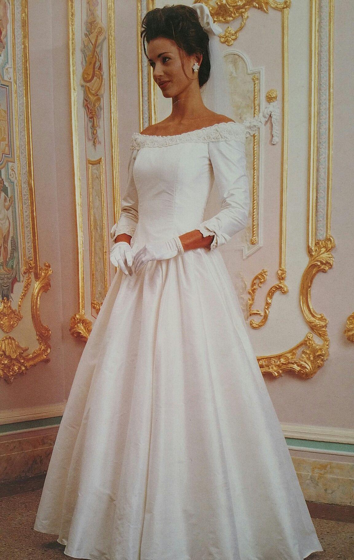 Plus size wedding dresses castleford - Vintage Wedding Dresses Vintage Weddings 30 Years Bridal Fashion