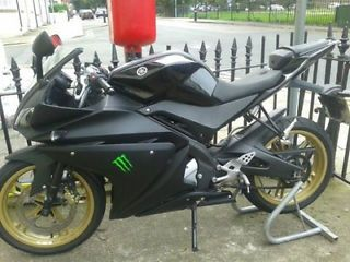 Yamaha R125.. Matt Black, Gold and Green.. - http://motorcyclesforsalex.com/yamaha-r125-matt-black-gold-and-green/
