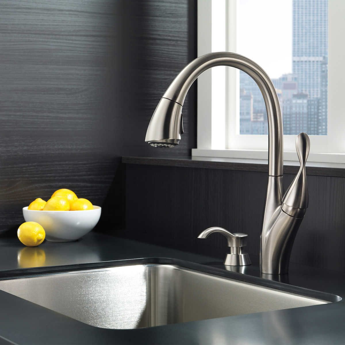 Delta Berkley Pulldown Kitchen Faucet And Soap Dispenser In 2020