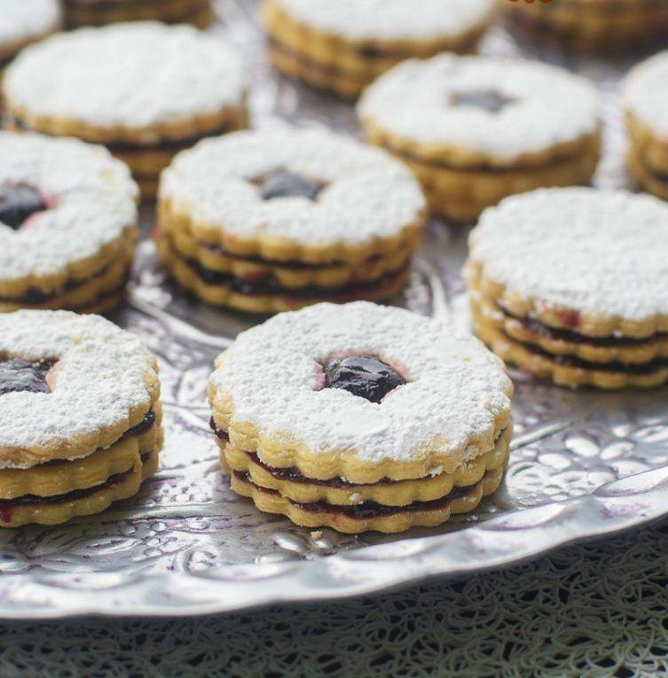 Épinglé Par Yasmina Samira Sur Cake: Biscuits Sablés Friable Double A La Confiture