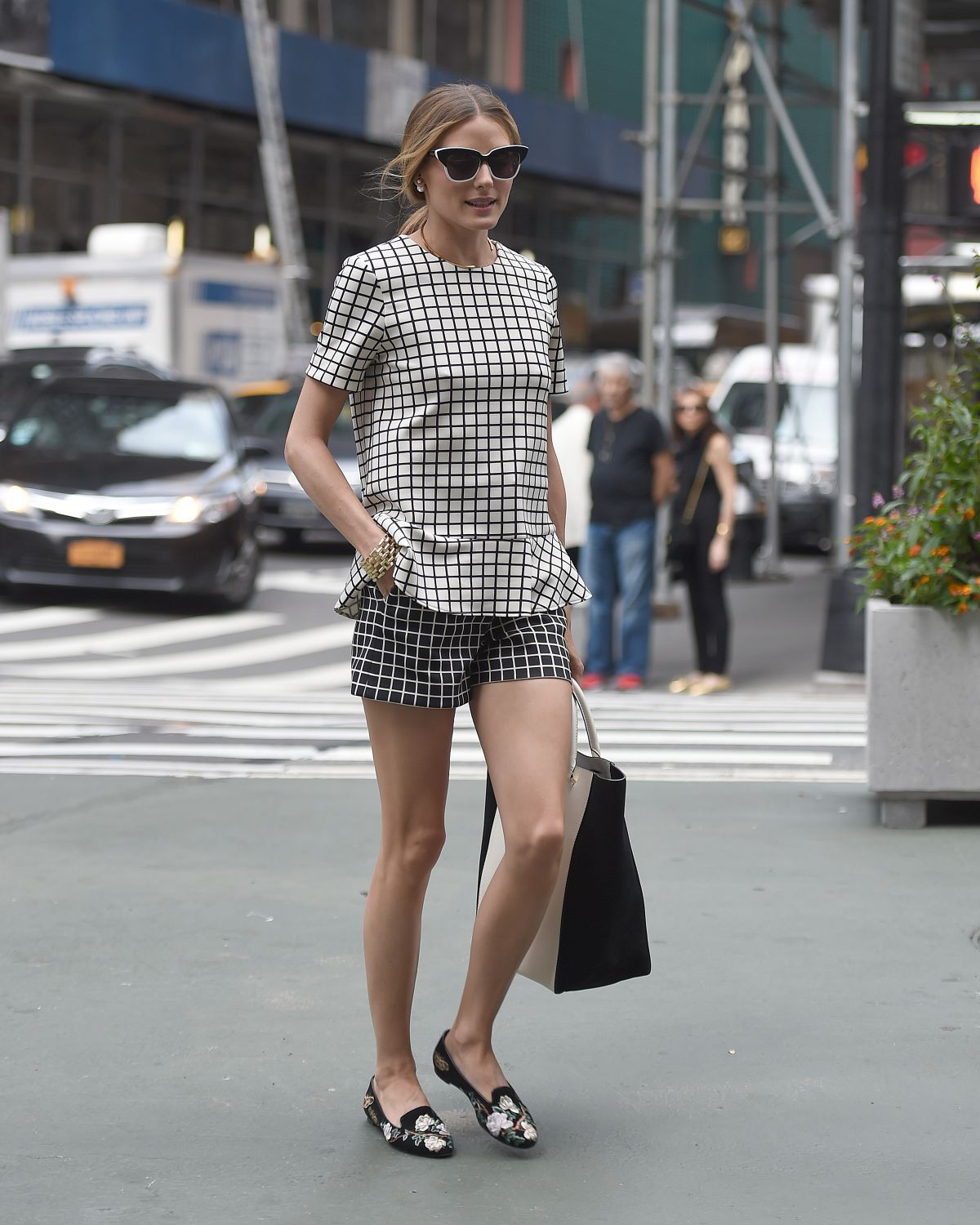 olivia_palermo_out_and_about_in_new_york_1706_11.jpg (1200×1500)