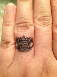 Claddagh Tattoo Cover Up Idees De Tatouages Et Tatouage
