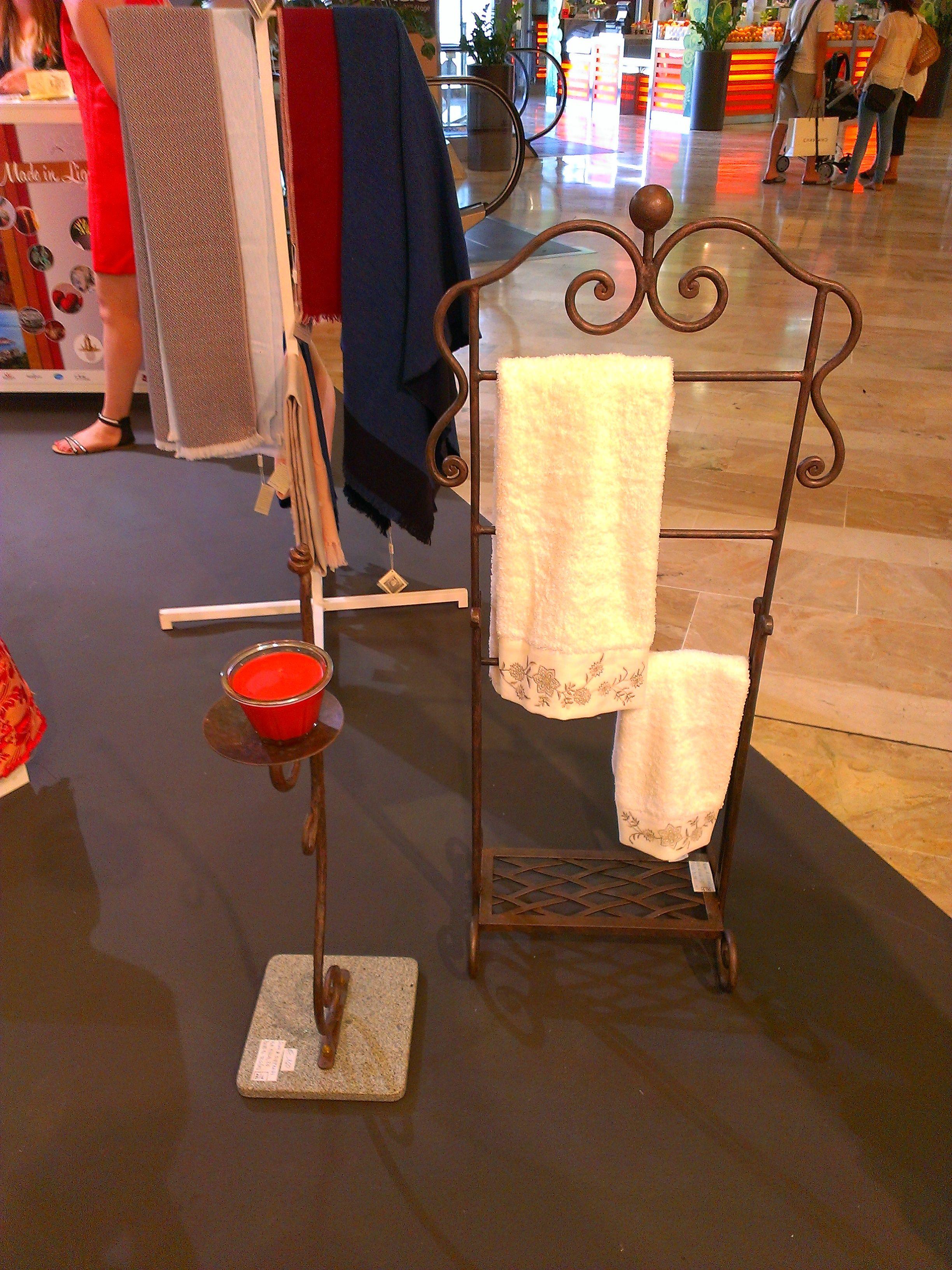 Seno  Siffredi - Pieve di Teco maglio, incudine e martello per queste creazioni in ferro battuto #Marsiglia2014