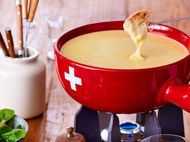 Käsefondue - das Rezept zum Selbermachen | LECKER
