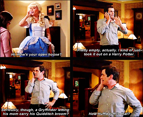 Pin By Claudia On Platform 9 Harry Potter References Harry Potter Obsession Modern Family