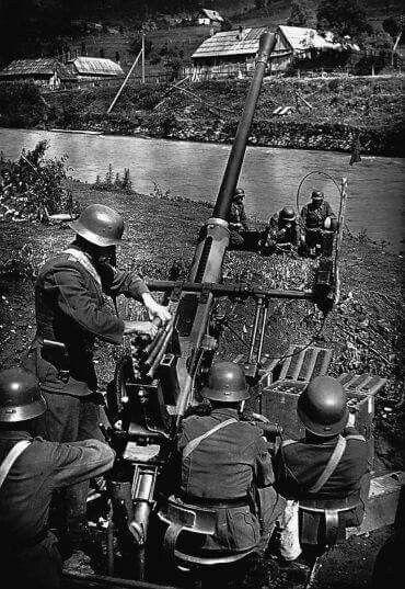 40mm Bofors AA gun, Hungary WW2, pin by Paolo Marzioli