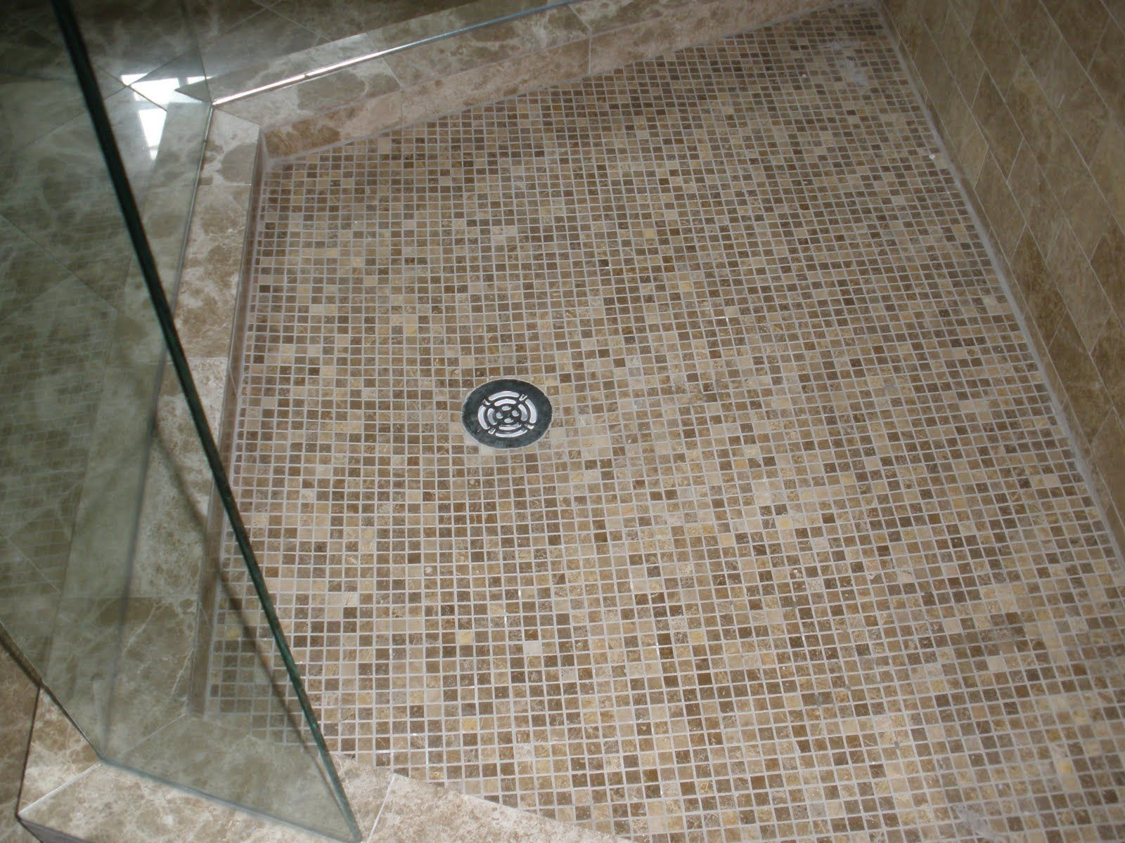 glass bathroom tiles ideas. nothing but the idea of horizontal