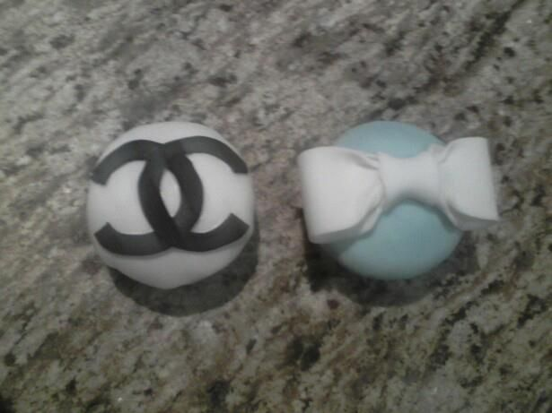 chanel and tiffanys cupcakes