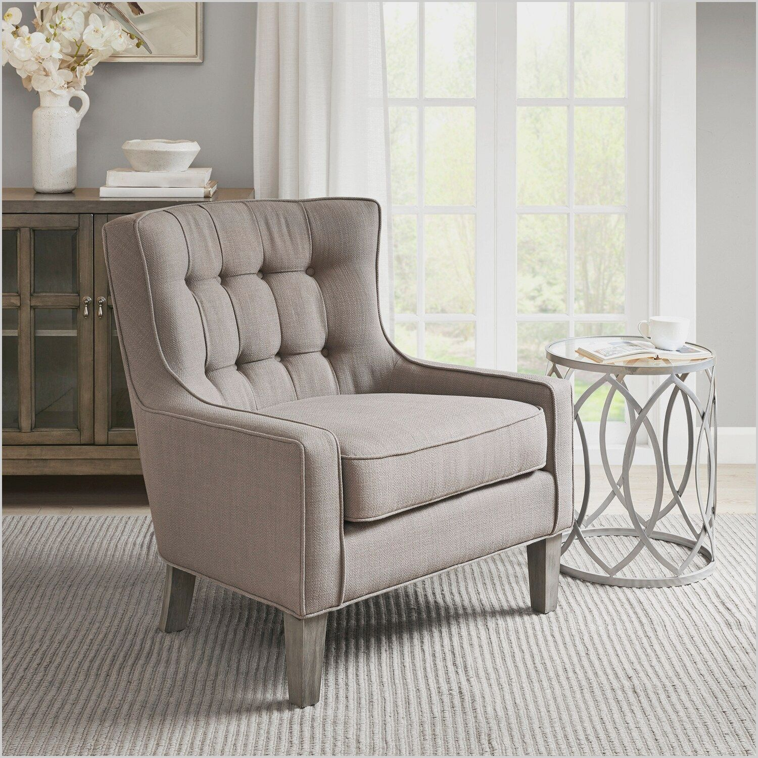 Accent Chairs In Small Living Room