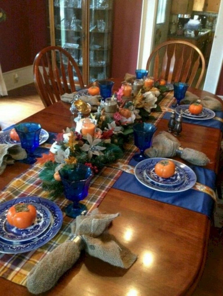 28 Inspiring Turkey Decor Ideas For Your Thanksgiving Table Dinner Table Decor Thanksgiving Dinner Table Decorations Christmas Table Decorations