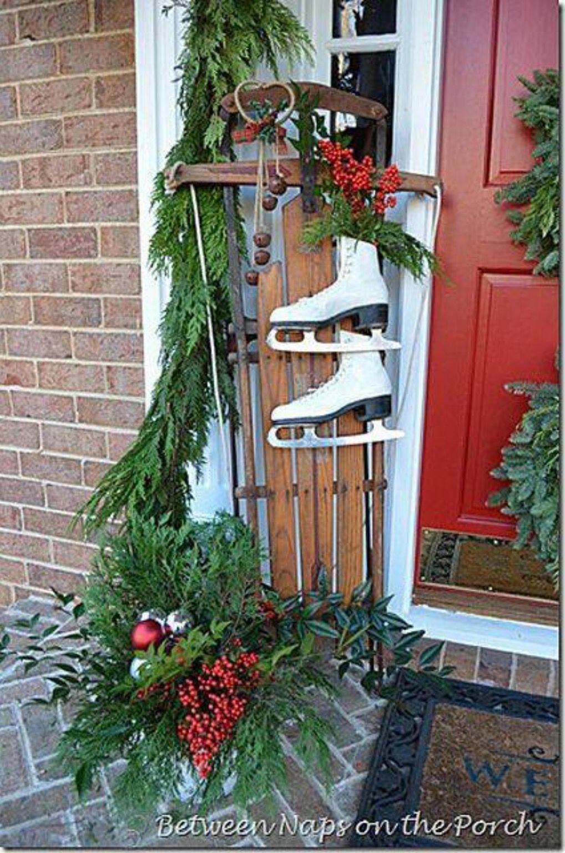 Decorations exterieur de noel sleds ice skates for Deco exterieur noel