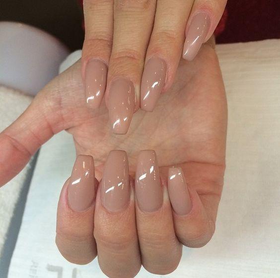 Nude coffin manicure | Bijoux, ongles & sacs | Pinterest | Manicure ...