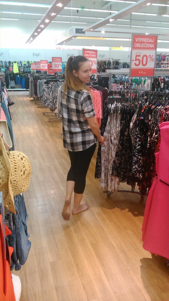 barefoot women go out shopping