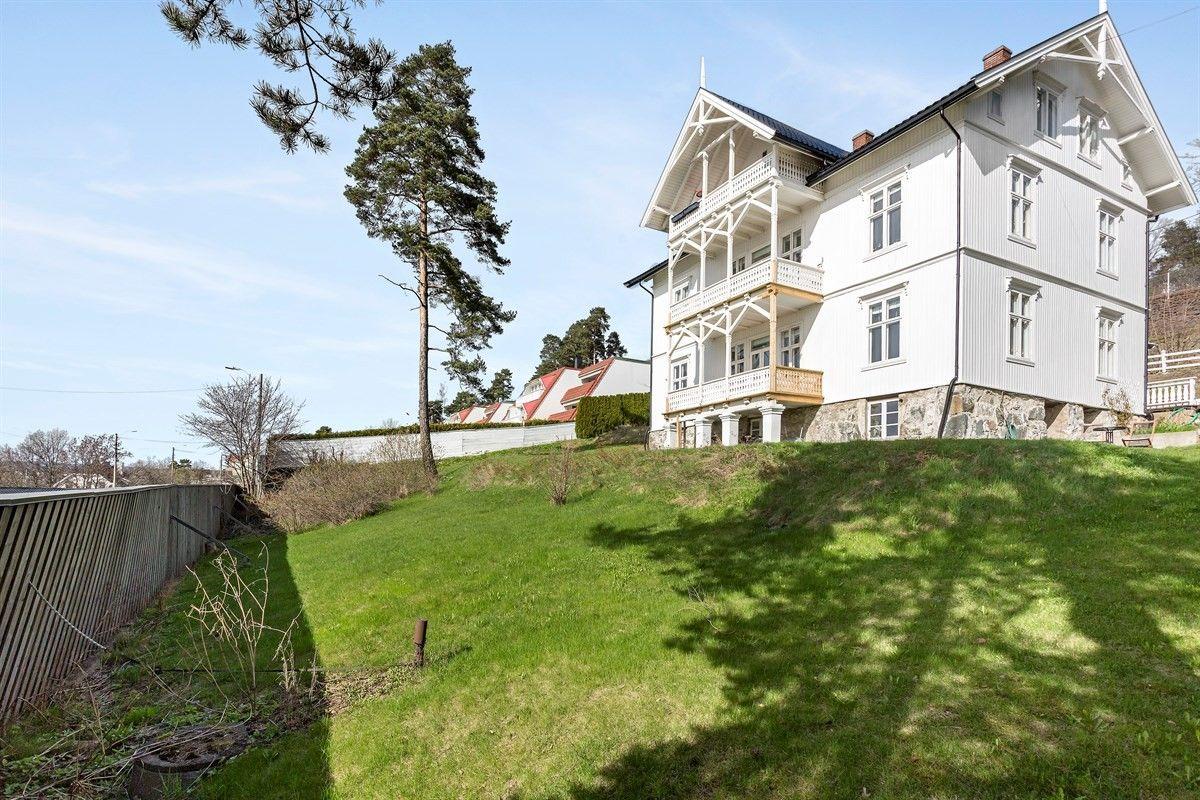 FINN – Loftsleilighet i sveitservilla på Nordstrand med fantastisk fjordutsikt - vestvendt veranda - gulvareal på 132 kvm