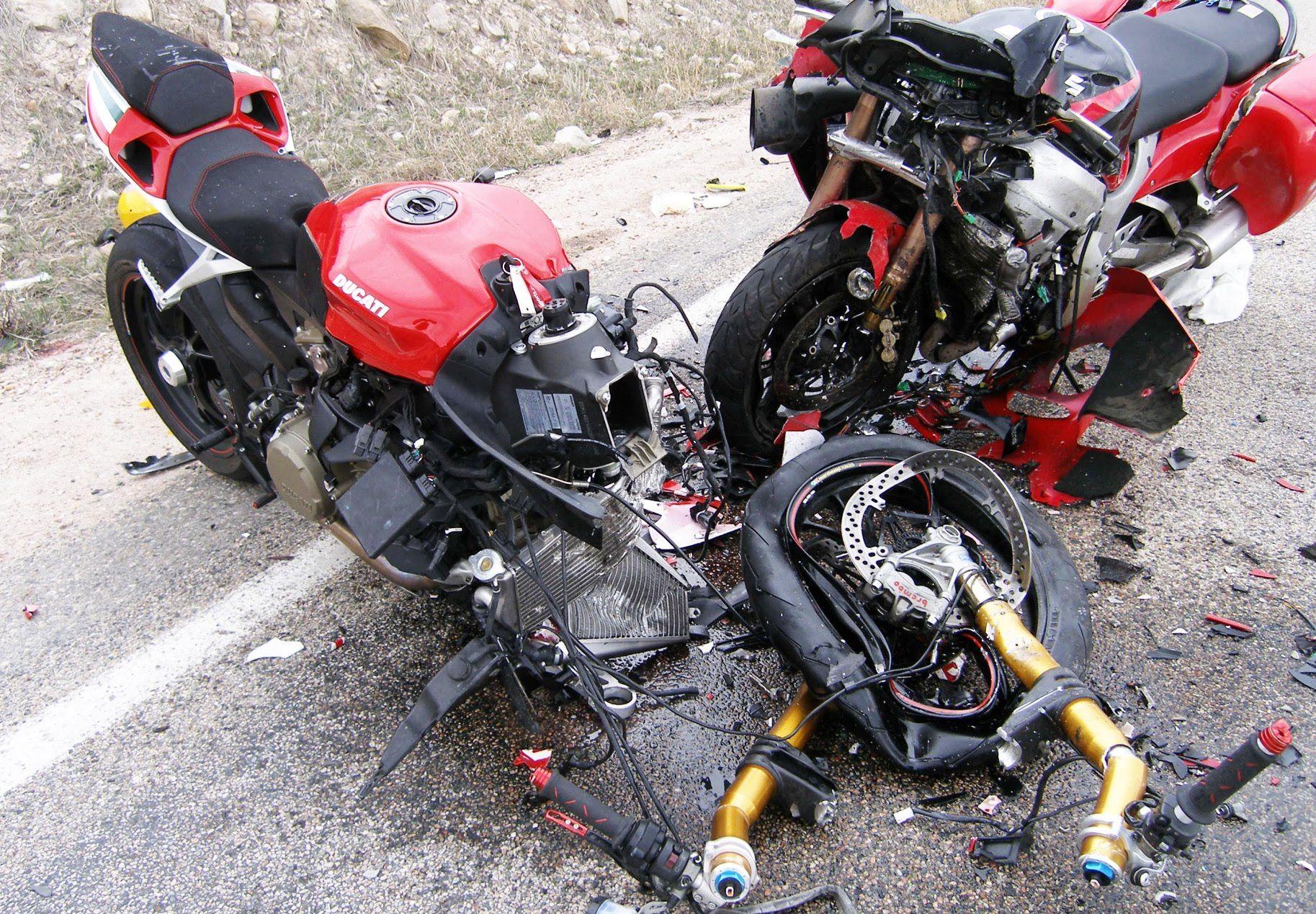 Pin Di Motorcycle Crash Video