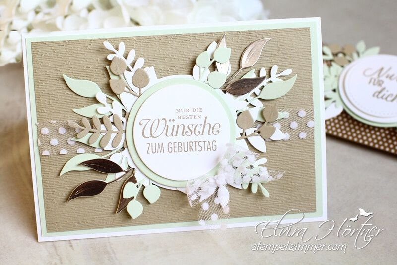 Photo of Geburtstagskarte und Gutscheinverpackung mit dem Produktpaket In Blüten gerahmt